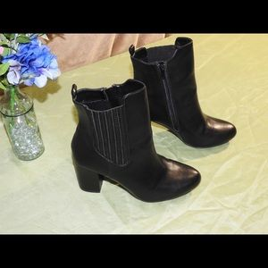 Lane Byrant • Size 9 W • NWOT Chunky Heel Boots